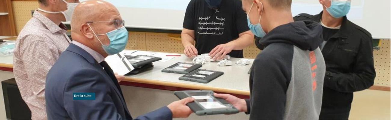 Les élèves de troisième et seconde du site EPIL ont reçu leur tablette